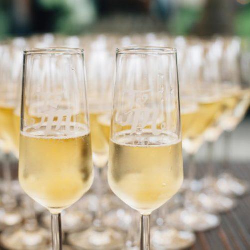 Bedrukte champagneglazen